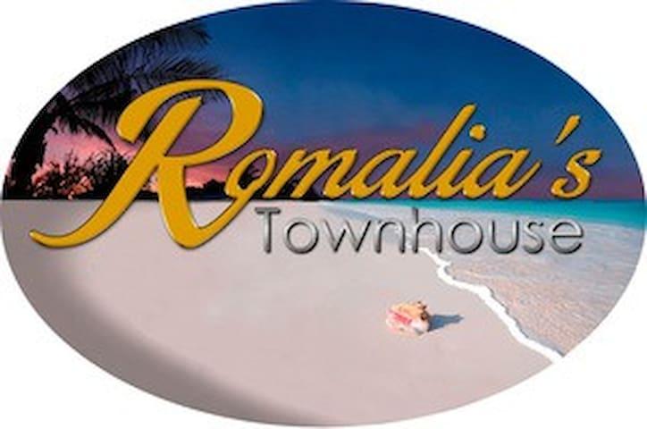 Romalia's Townhouse, Sister Cecilia Suite 2