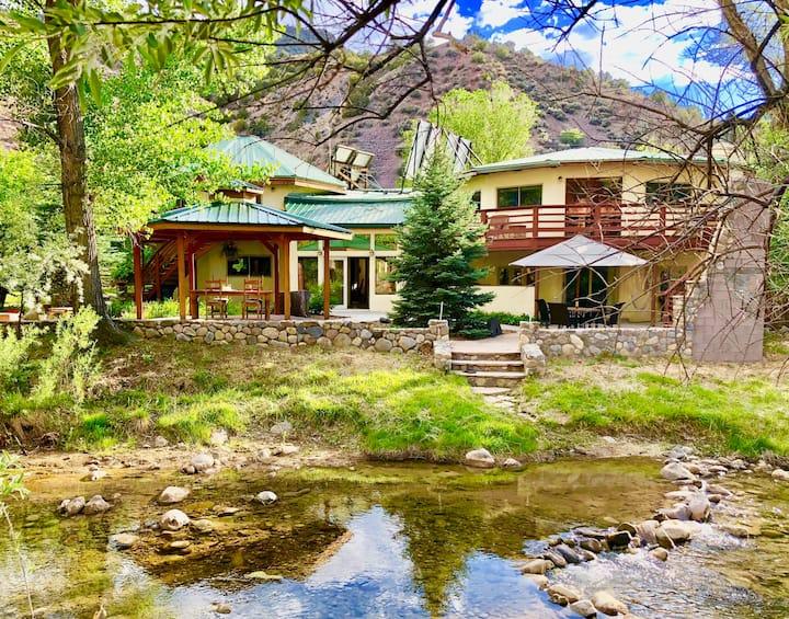 Embudo River Retreat - Eco Lodge