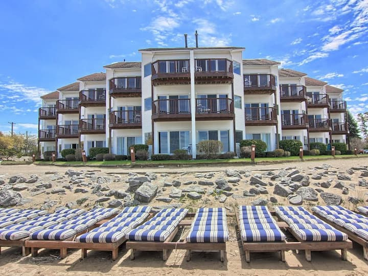 The Beach Condo, Beachfront, Ground Floor