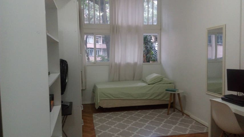 Pequeno apartamento na Glória