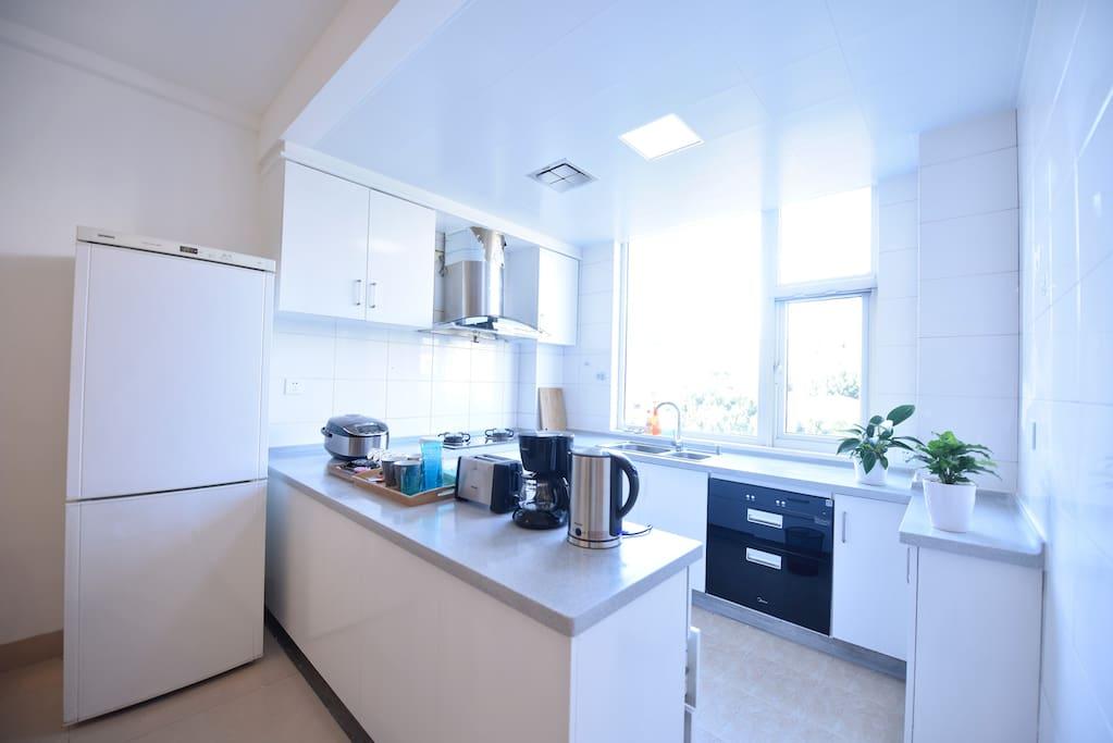开放式的厨房,厦门最美环岛路就在眼前拉