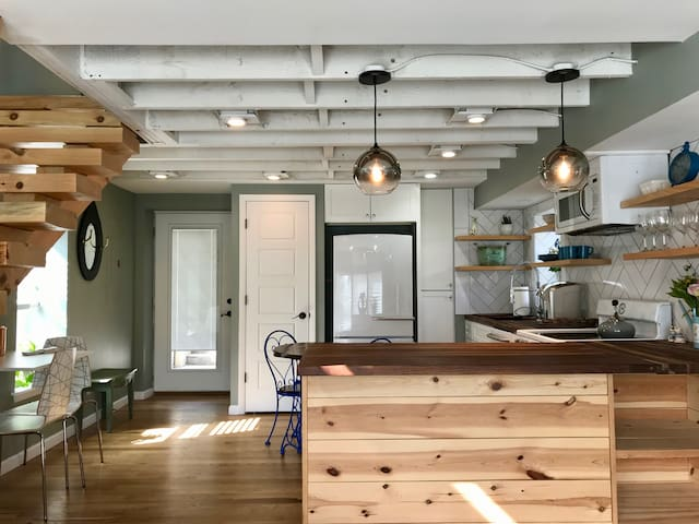 East Nashville 2-Story Private Guesthouse