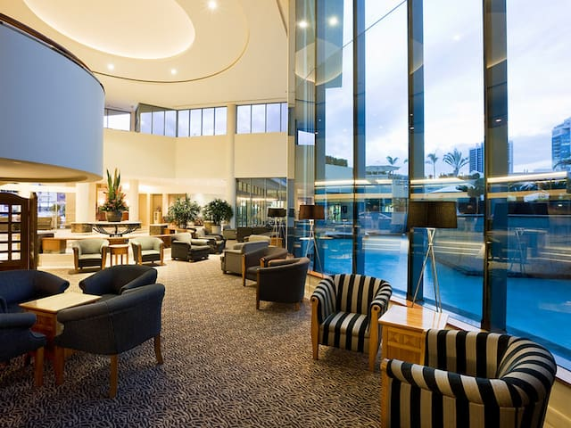 Lovely King Suite - Surfers Paradise