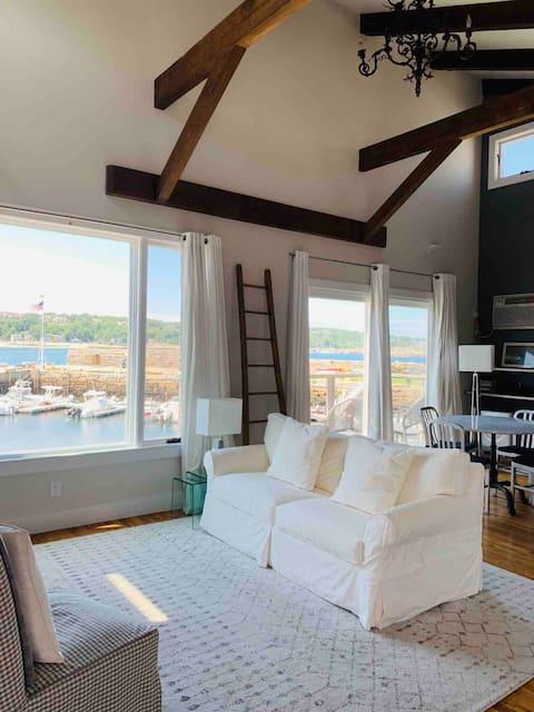 Loft Apartment With Ocean Views