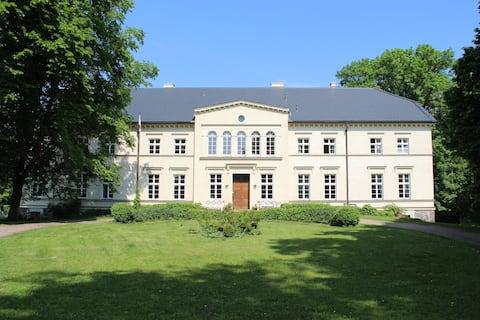 Auszeit im Gutshaus Leistenow mit Lenné-Park