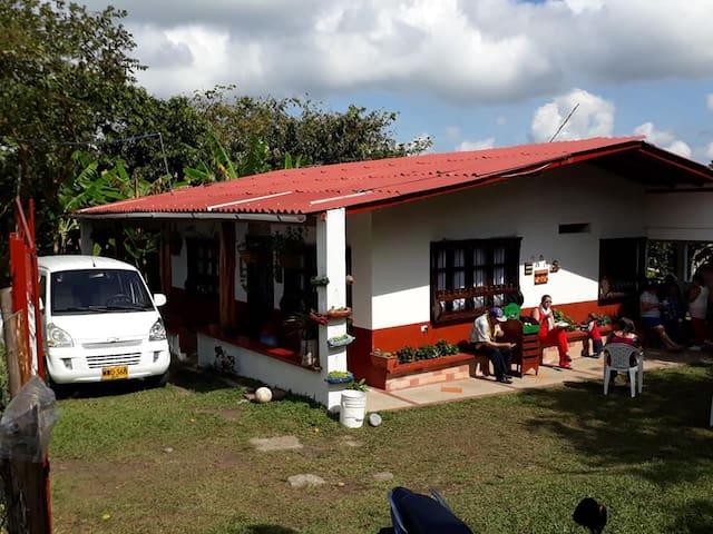Alojamiento en finca cafetera para 4 personas