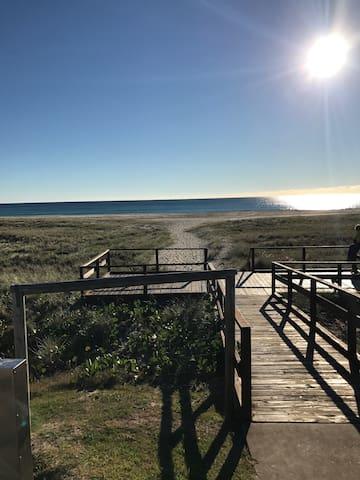 Kiwi Court, Beachfront Bilinga