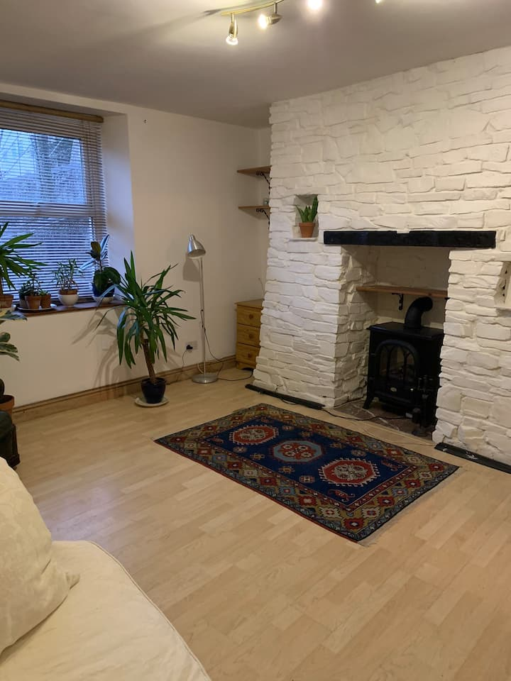 Self contained flat in the centre of town