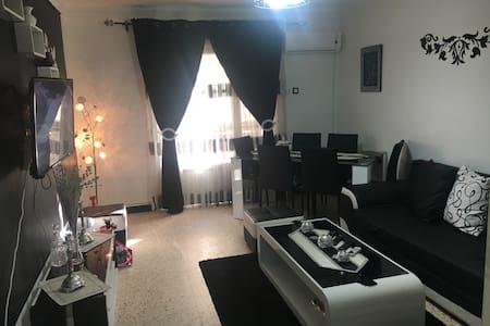 Bel appartements avec 2 chambres - Bab Ezzouar - Huoneisto