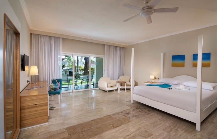 Luxurious studio in Confresi Palm LHVC