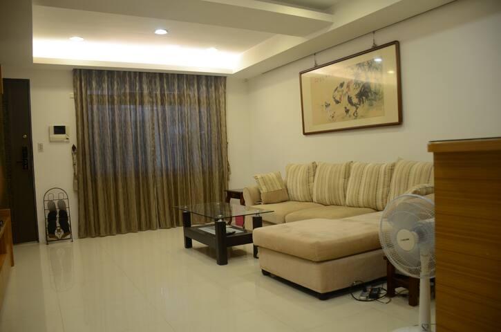 獨立房間(private room),10分鐘捷運永安市場站,鄰近永和四號公園/國立中央圖書館 2B