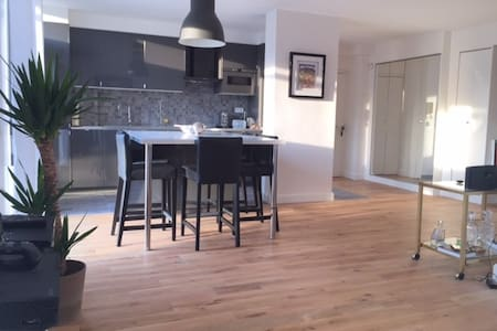 Big apartment two bedrooms new 8 mn Heart of Paris - Bois-Colombes - Appartement
