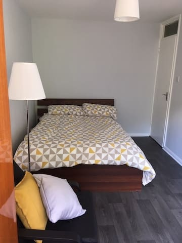 Big Double Room in Elephant and Castle