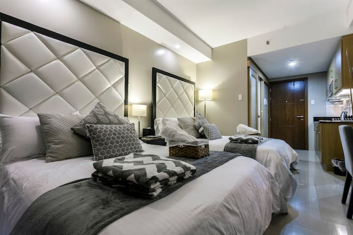 Shell D- 1027 New Boutique Hotel Inspired Suite!