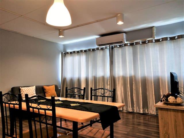 006. DMK /Quad room/IMPACT ARENA/IBIS/LTAT/2-6p