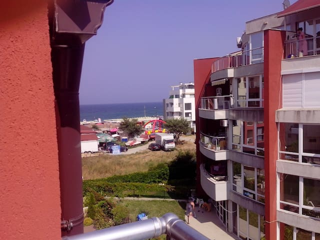 1-bedroom apartment with seaview near the beach - Burgas - Pis