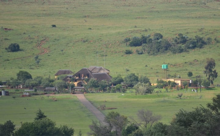 Tswalu Grove Safari Lodge: 20 km from JHB :