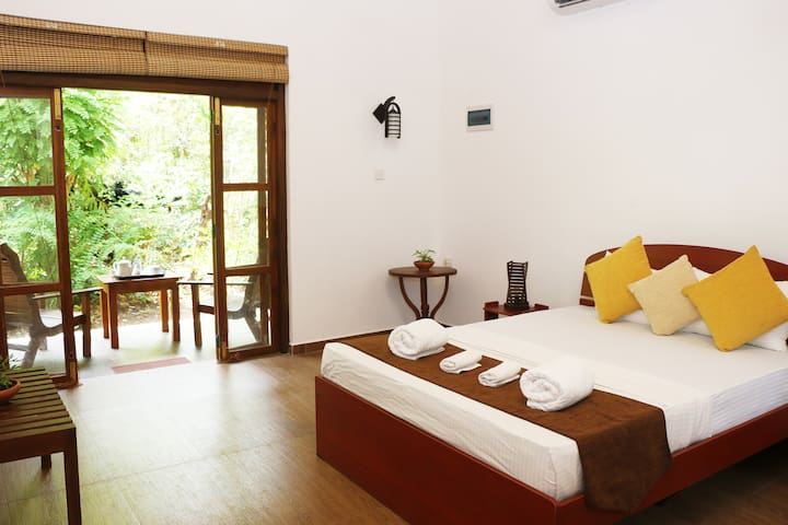 Bissa Villa -Calm Triple Lodge black up to 3guests