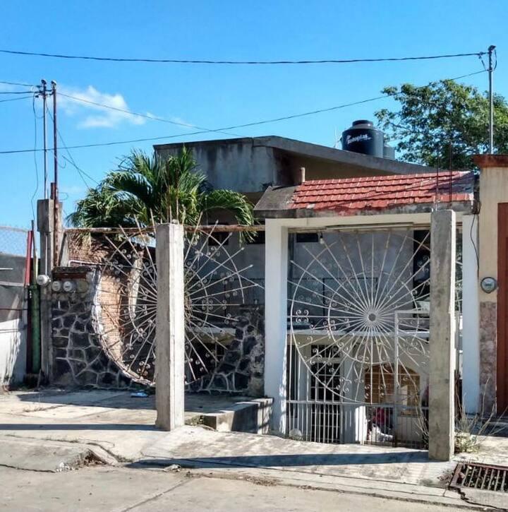 CASA EN DIRECCION DE CAMINOS CERCA DE CARR FEDERAL