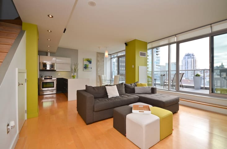 Private Room in a Penthouse/ByWard Market! - Ottawa - Wohnung