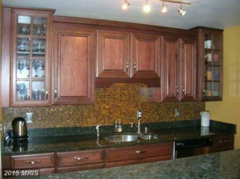 Full kitchen and wine fridge