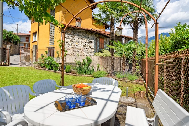 Cozy APT with Garden, 8 km to Bellagio!