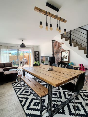 Maison type loft, 2 chambres, terrasse, jardin