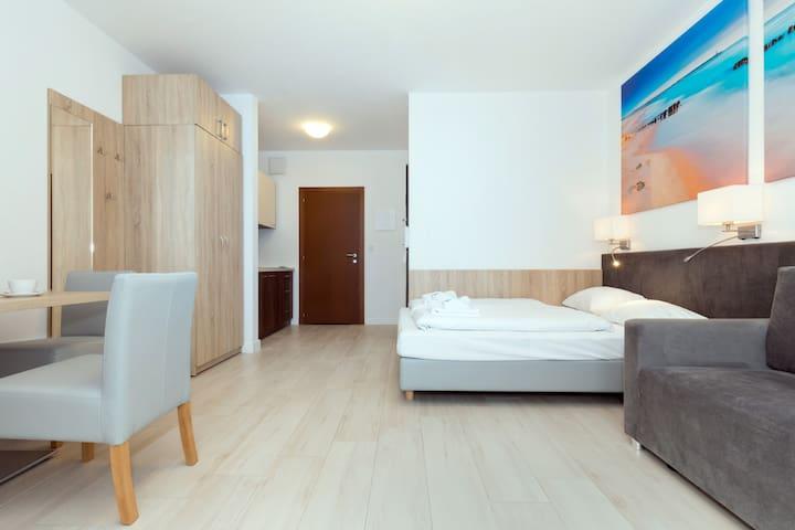 Beautiful Studio with balcony | Aquamarina C36