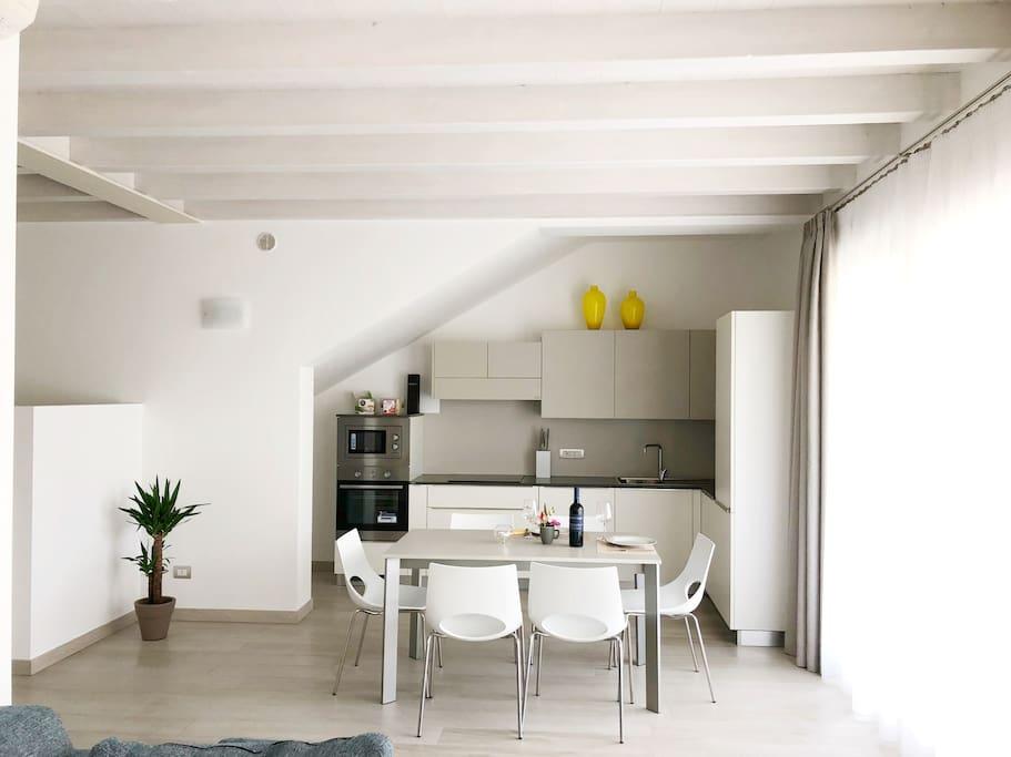 Kitchen studio / Кухня - столовая