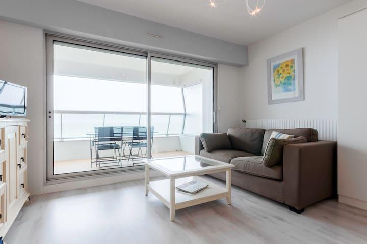 """Appartement/Studio 'les Pieds dans le sable"""""""