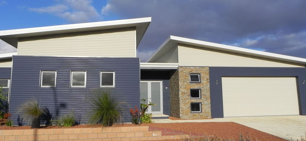 Blue on the Boulevard - Jurien Bay - Rumah