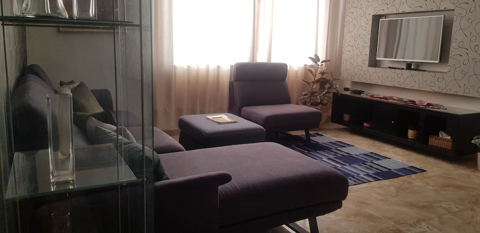 Modern centric 2 bedrooms with panoramic view