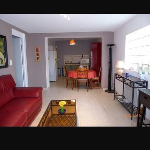3 pièces meublé 70 m2  en  Provence - Noves - Appartement