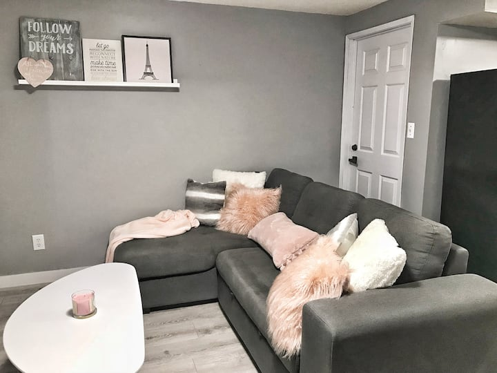 Cozy Private Suite Easy Access to Metro Vancouver