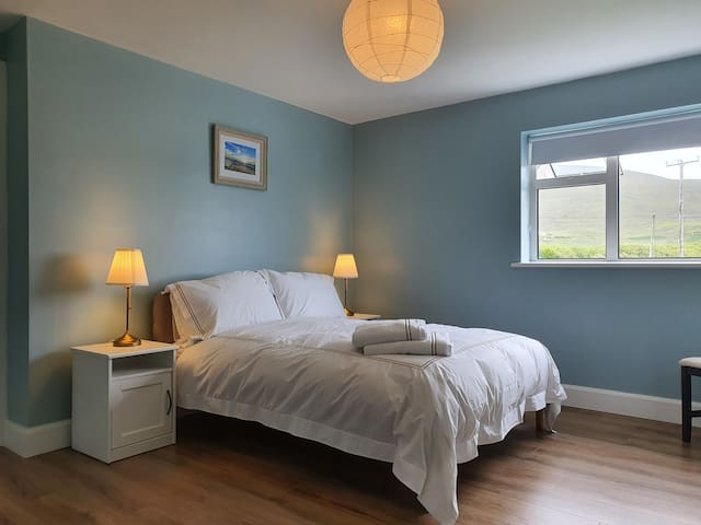 First king-size bedroom with ensuite