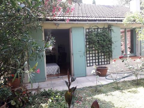 Toulouse: location maison meublée 2 pièces.