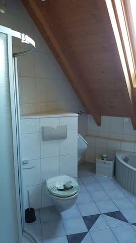 Dusche/WC/Urinal