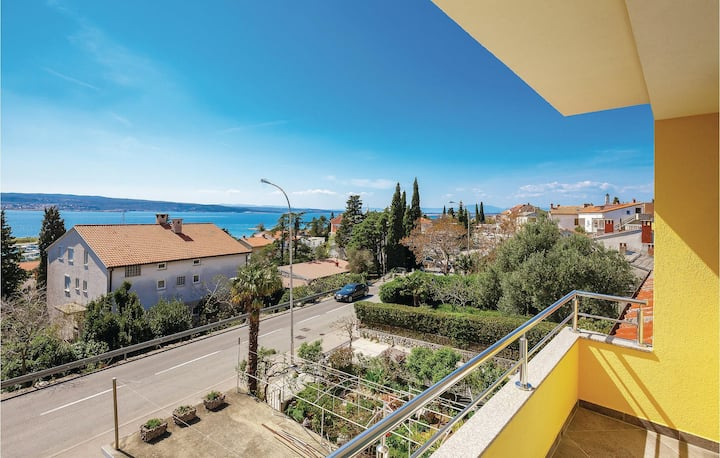 Stunning home in Crikvenica with WiFi and 2 Bedrooms