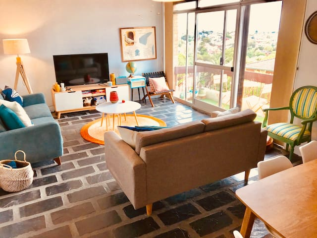 Spacious 2bd apartment spectacular views & WIFI