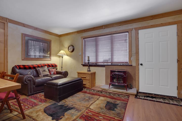Gas fireplace will keep you toasty after a day in the mountains. Regulate temperature with thermostat on the wall left of window.
