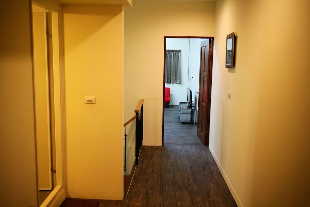四人雅房廁所與房間距離