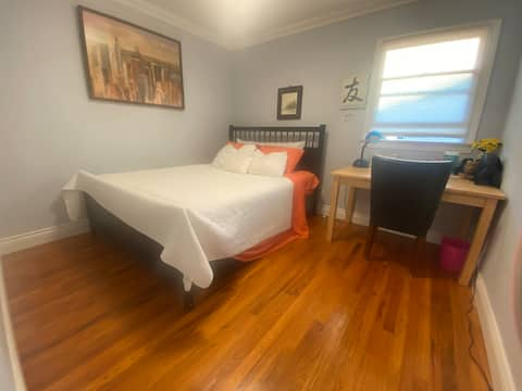 Small Room W/Queen size bed(Suite 4) With Desk