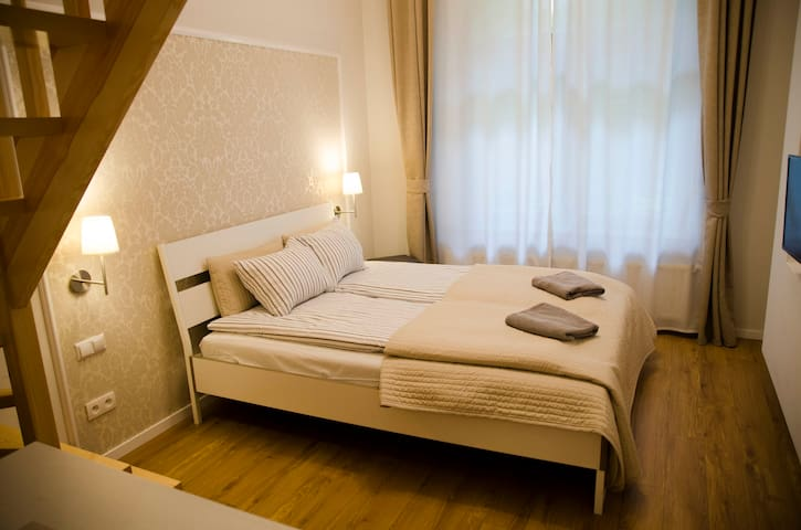 Studio for 3 people 5 min from the Main Square