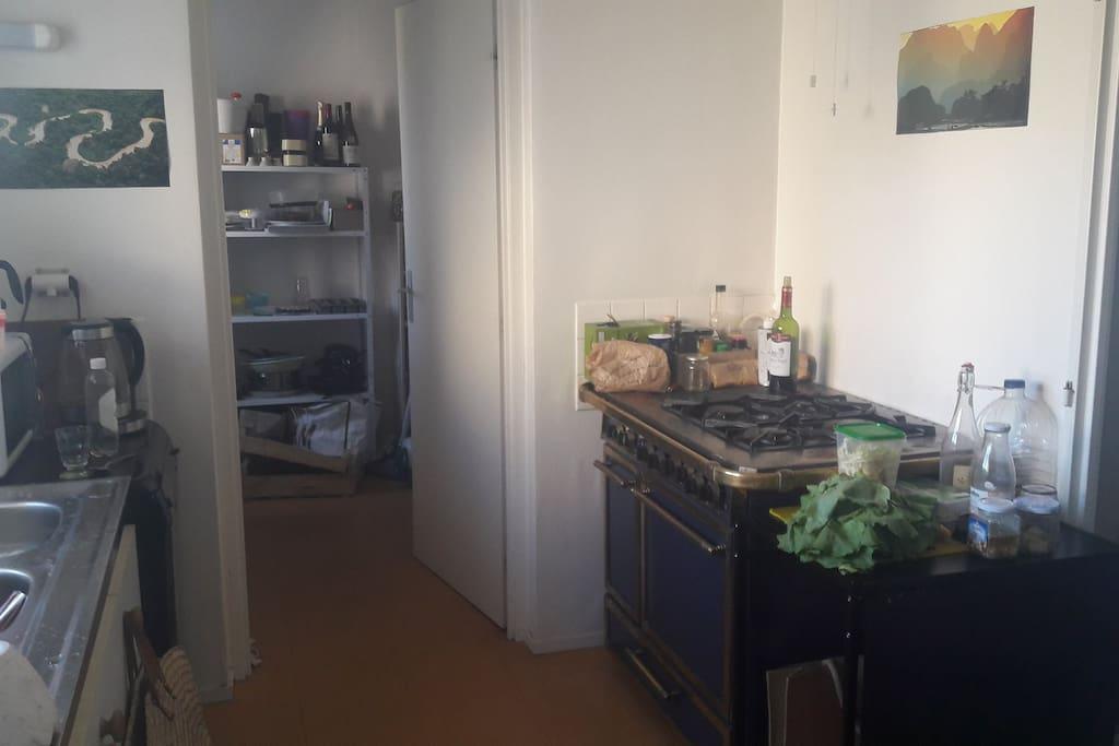 La cuisine et l'arrière-cuisine