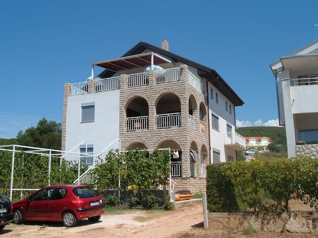 Studio Mary 1 for 2 with AC - 30m from the sea