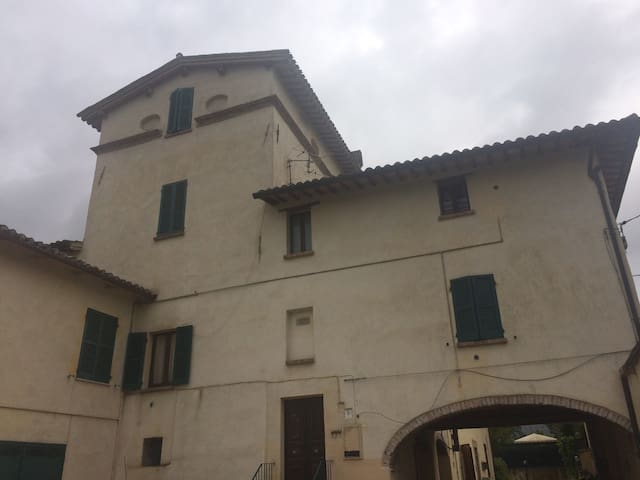 Monolocale in casolare antico - Spoleto - Daire