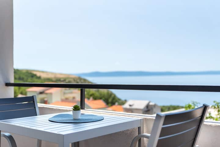 Maslina Studio Apartment with sea view