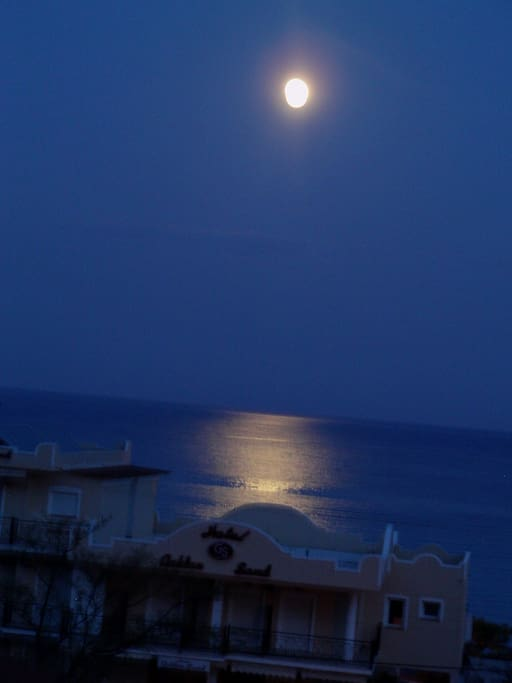 Foul moon night in Xrisi Ammoudia (from the second floor balcony) !!!