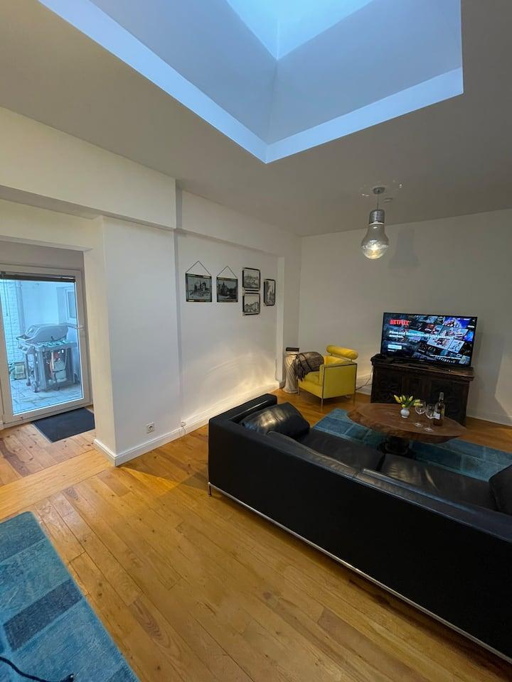 Design Wohnung + Innenhof Nähe Düsseldorf/Köln