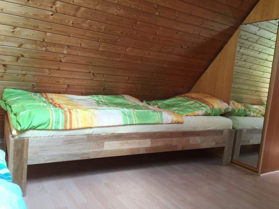 1 weiteres Bett im Schlafzimmer